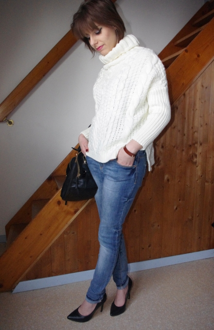 loose-sweater-13
