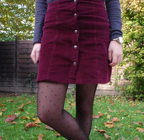 burgundy-and-dots-11